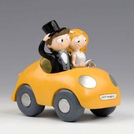 Figura de Noivos no Carro