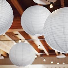 Balões Voadores e Lanternas Chinesa